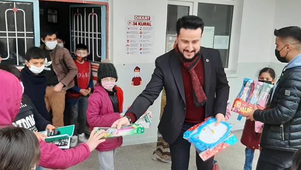 İyilik Hareketi Çocukları Sevindirmeye Devam Ediyor