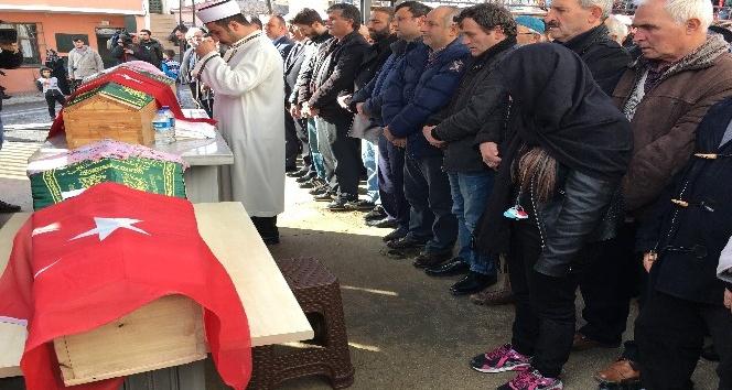 Babaları tarafından öldürülen iki Melek Son Yolculuklarına Uğurlandı