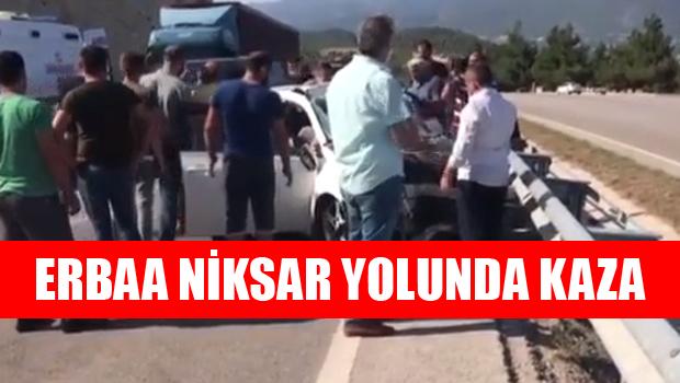 Niksar Erbaa Yolunda Kaza: 4 yaralı