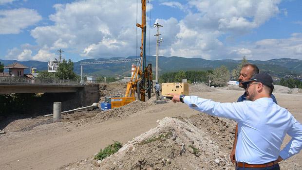Niksar'da İkinci Köprü Yapım Çalışmaları Hızla Devam Ediyor
