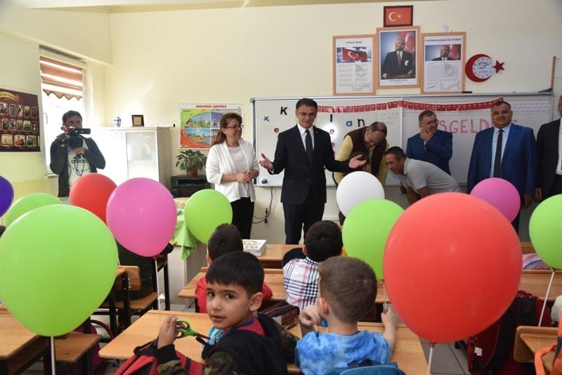 Tokat'ta yeni eğitim öğretim yılı başladı