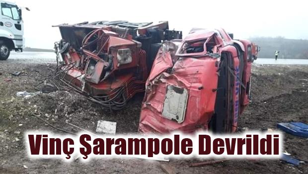 Vinç Şarampole Devrildi: 2 Yaralı