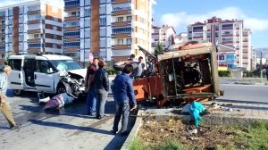 Zile'de trafik kazası: 9 yaralı