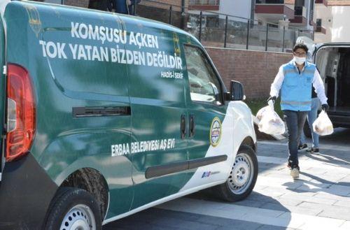 Erbaa Belediyesinden ihtiyaç sahiplerine sıcak yemek