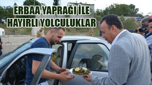 Erbaa'da Sürücü ve Yolculara Yaprak Sarma İkramı