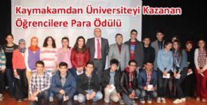 Kaymakamdan Üniversiteyi Kazanan Öğrencilere Para Ödülü