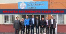 Niksar'da 600 Öğrenciye Kaban Yardımı