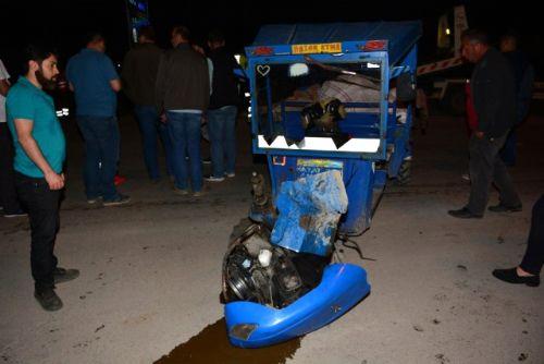 Tokat Erbaa'da Otomobille Patpat Çarpıştı 10 Yaralı