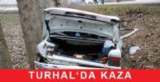 Turhal Kalaycık Yakınlarında Otomobil Şarampole Devrildi