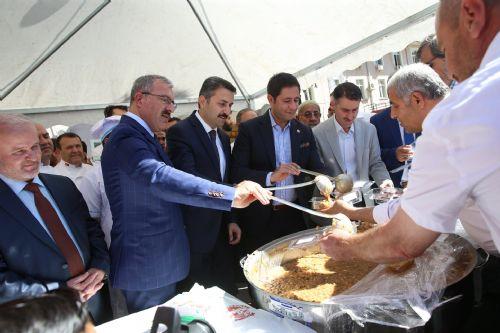 Tokat'ta 10 Bin Kişilik Aşure İkramı